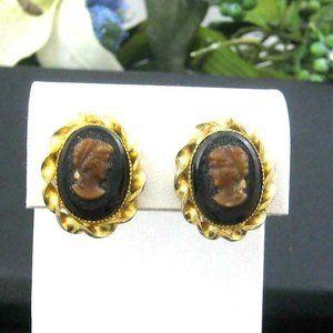 Vintage glass Cameo Earrings clip goldtone setting